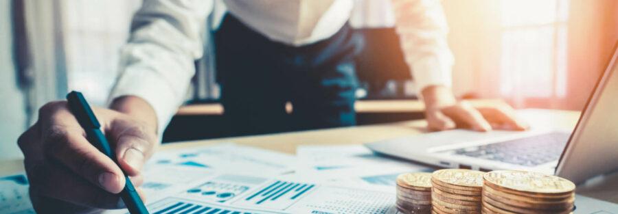 businessman-analyze-data-stock-market-research